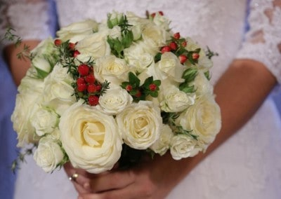Bridal Bouquet white roses hypericum